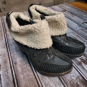 J-41 adventure booties ankle boots 6.5